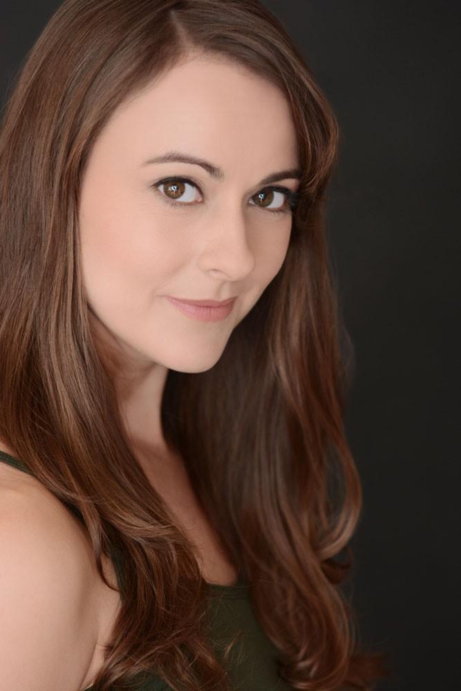 Sara Topham